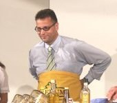 Landwirtschaftsminister Hauk koch auf der Landwirtschaftlichen Hauptmesse 2006