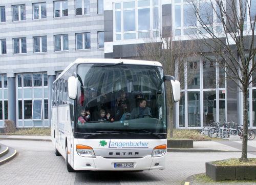 Der Bus fährt nach Steinheim zurück