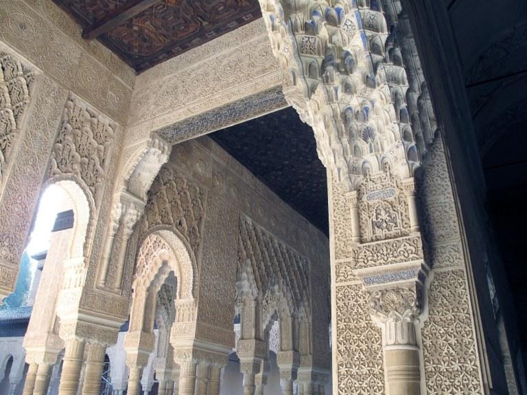 Stuckdeckenpartie 2: Alhambra, Granada, Spanien
