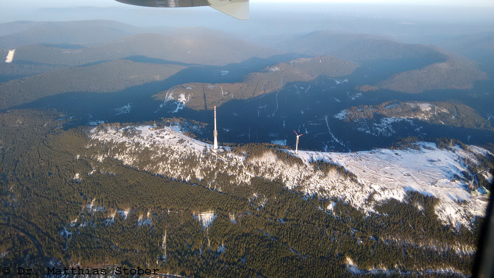 Luftbild der Hornisgrinde von Westen