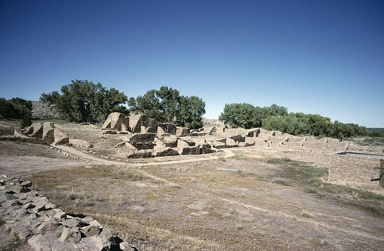 800px-Aztec_Pueblo.jpg