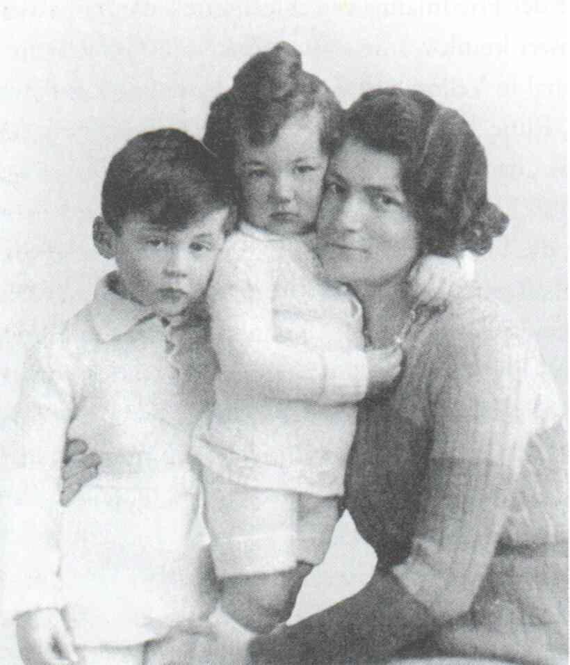 Lili Friedmann und Kinder, um 1932