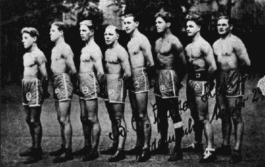 Trollmann mit Boxern