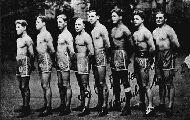 Boxerriege mit J. Trollmann