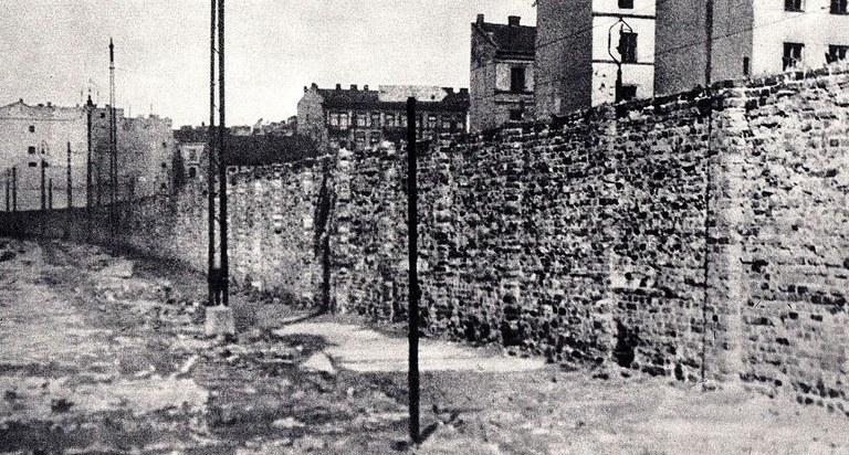 Ghetto_Wall_Warsaw_Ghetto_010.jpg