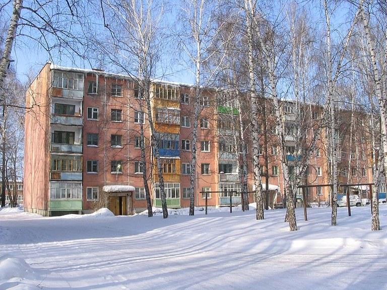 800px-Panel_Khrushchev_house_in_Tomsk.jpg