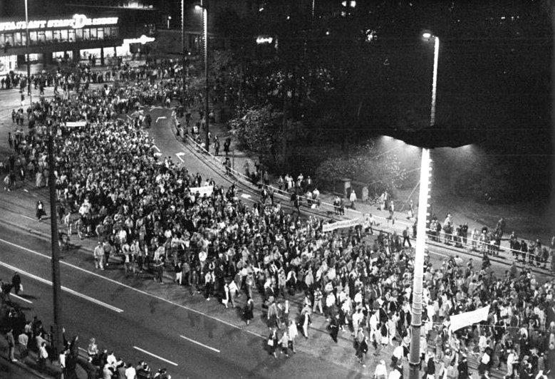 100.000 Bürger demonstrierten am 23. Oktober 1989 in Leipzig