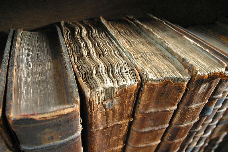 Sekundäre Medien: Verschriftlichung in Büchern