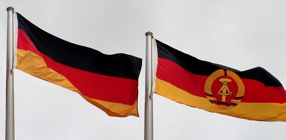 Die Flaggen der Bundesrepublik und der DDR