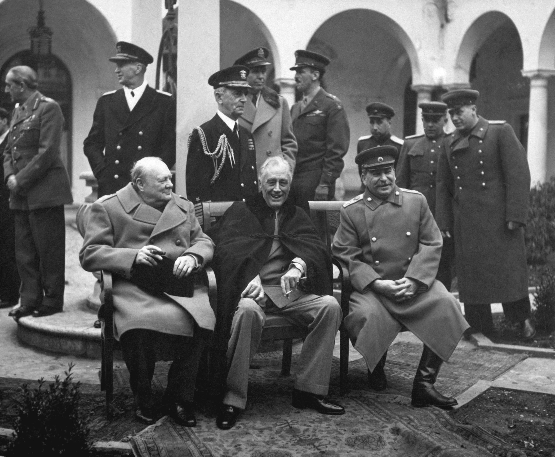 Die Großen Drei ordnen in Jalta die Welt nach dem 2. Weltkrieg: Churchill, Roosevelt und Stalin