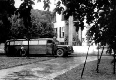 Mit grauen Bussen wurden die Opfer nach Grafeneck deportiert