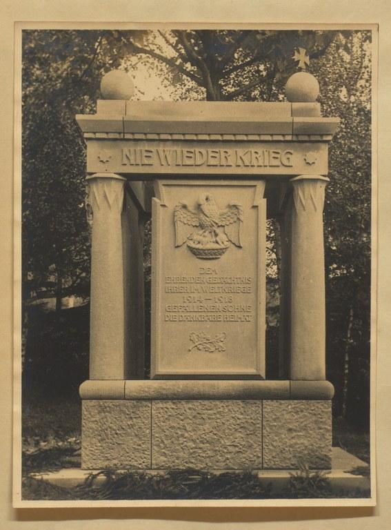 B4_Denkmal1926.jpg
