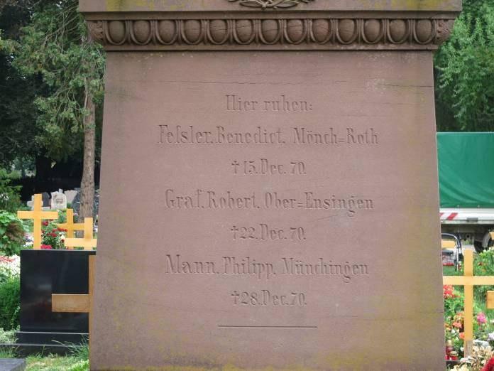 B31 Frie dhof Unter den Linden - Denkmal zum Krieg 1870-71 Detail Obelisk.jpg