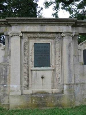 mini_B18 Kriegerdenkmal Unter den Linden.jpg