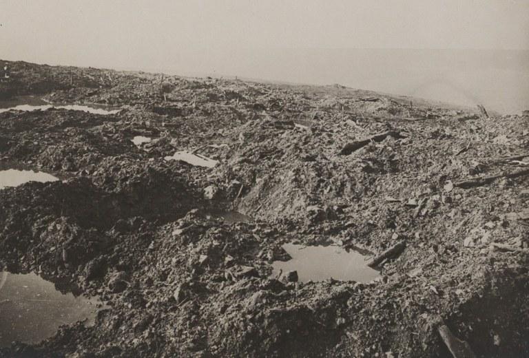 B3-Verdun Schlachtfeld - BDIC_VAL_191_11 - a7.jpg