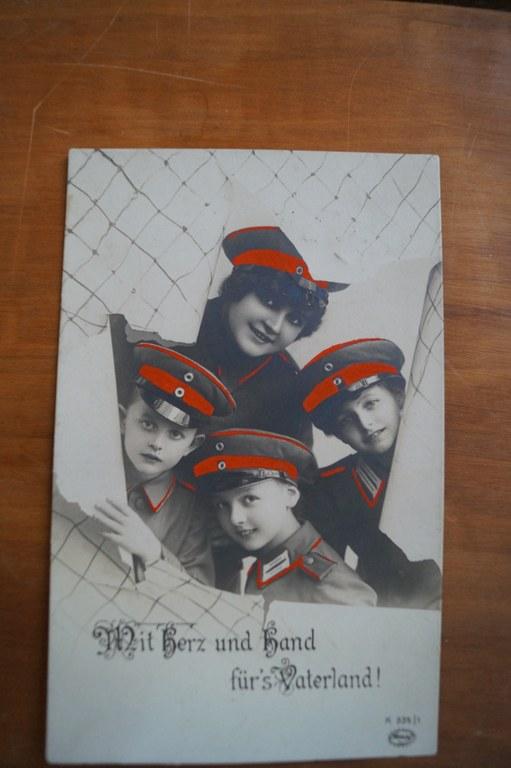 B1 Postkarte Mit Herz und Hand fuers Vaterland.JPG