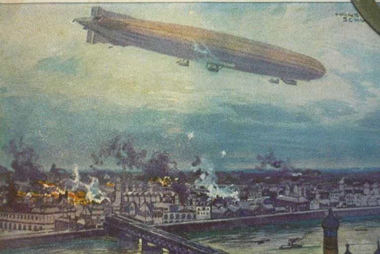 B6b Postkarte Zeppelin.jpg