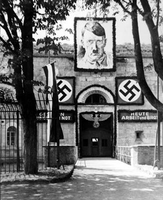 Der Zugang zum KZ Oberer Kuhberg am 1. Mai 1934
