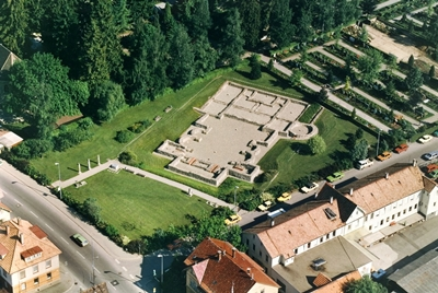 Überreste des Kastellbades auf dem Nikolausfeld