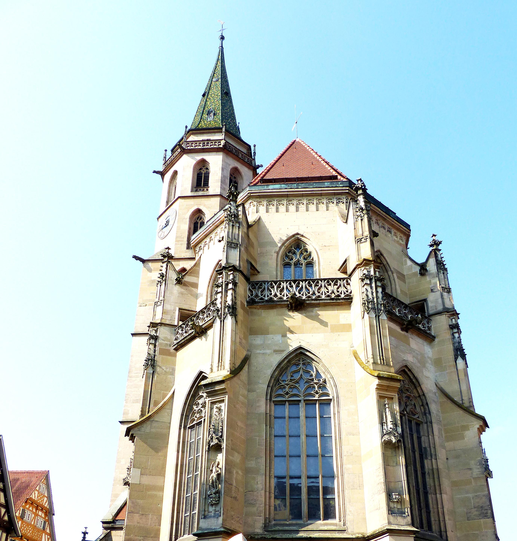 B12 Kirche.jpg