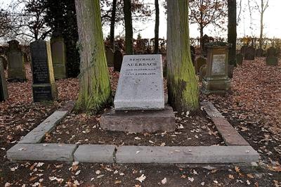 Auerbachs Ehrengrab auf dem Nordstetter Judenfriedhof