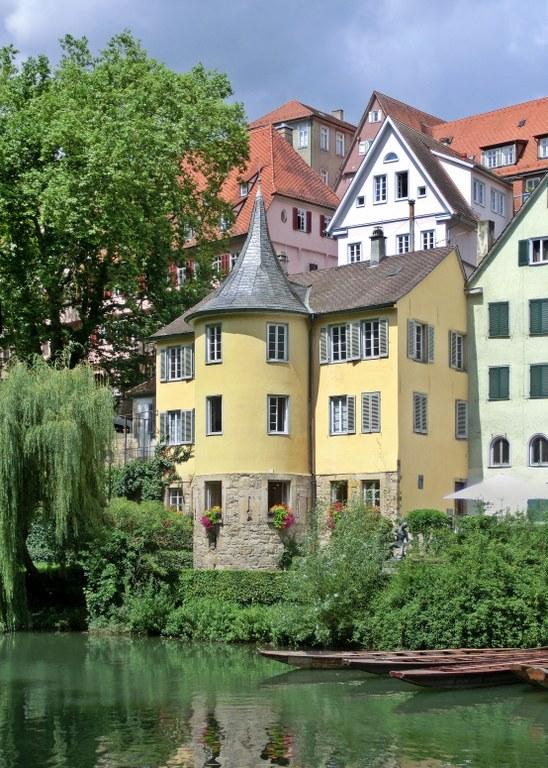 Hölderlinturm_Tübingen_Juli_2016.jpg