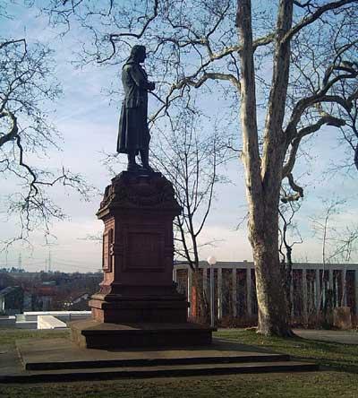 Das Schillerdenkmal auf der Schillerhöhe in Marbach
