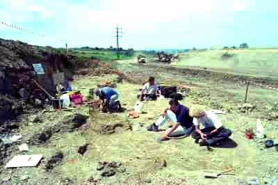 Ausgrabung der Fundstätte beim Bau der Umfahrung Eislingen im Yuge der B 10 im Jahre 2002