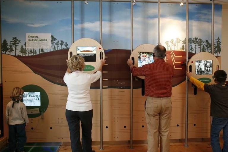 B12 Infozentrum Themenraum Geschichte des Moores.jpg