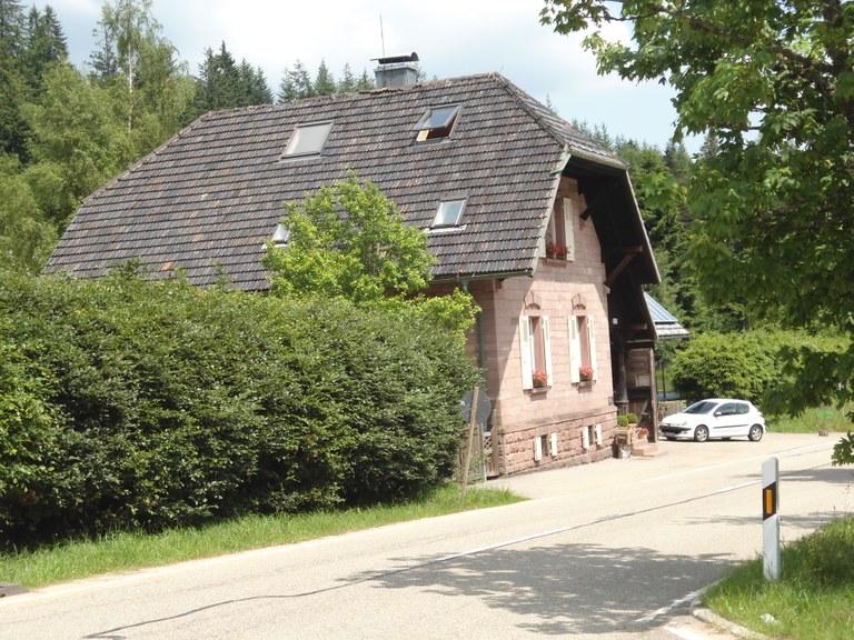 B8 Das Forsthaus.JPG