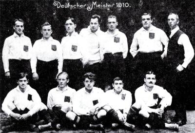 Der Karlsruher Fußballklub KFV wurde 1910 mit den jüdischen Spielern Julius Hirsch