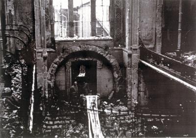 Inneres der orthodoxen Synagoge in der Karl-Friedrich-Straße nach der Reichspogromnacht am 9.11.1938.