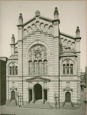 Die jüdische Synagoge in der Kronenstraße;
