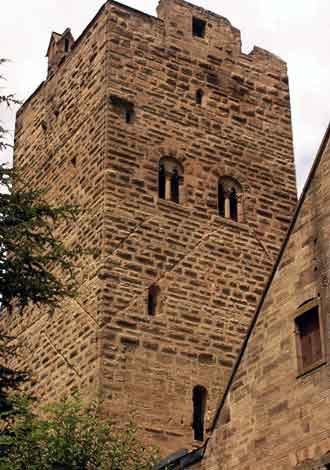 Wohnturmbergfried der Burg Neipperg