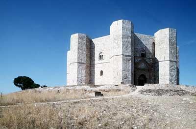 Stauferburg Castel del Monte in Apulien (Italien)