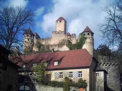 Blick von der Unteren Burg auf die Obere Burg
