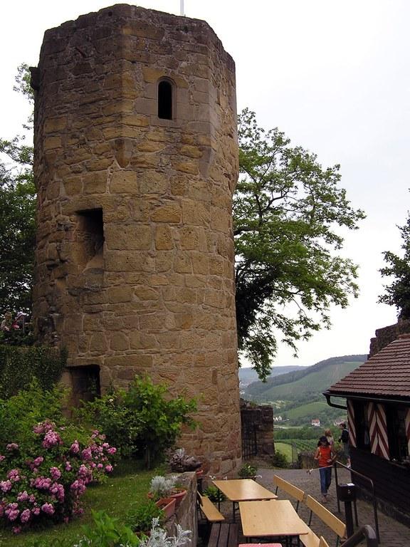 Aussichtsturm auf der Burg