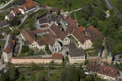 Blick auf die Klosteranlage von Süden