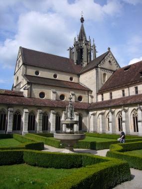 Klosterkirche und Klostergarten