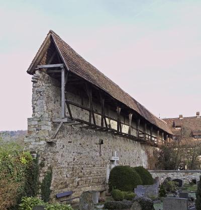Wehrgang an der äußeren Klostermauer