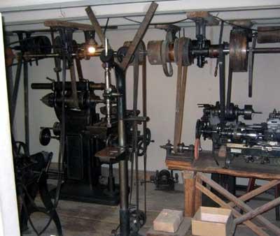 Im Uhrenindustriemuseum wurde die Werkstatt des Heimarbeiters und Nebenerwerbslandwirts Bernhard Steimer funktionsfähig wiederaufgebaut