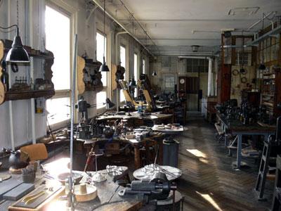 Blick in den Arbeitsraum der Silberschmiede