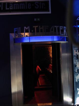 Eingang zum Kinoraum