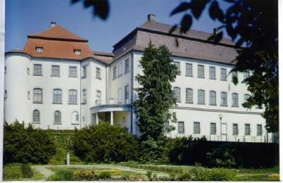 Außenansicht von Schloss Großlaupheim (Museum)