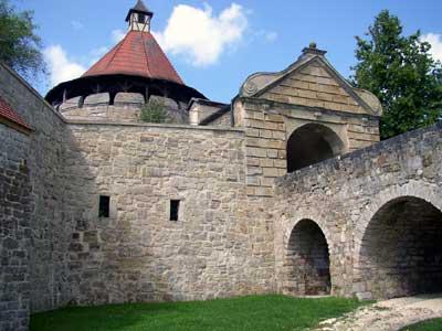 Ellwanger Schlossgefängnis neben der Brücke unter dem Torturm