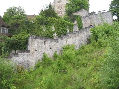 Fluchtweg 1548 über die Stadtmauer vor heranrückenden Truppen