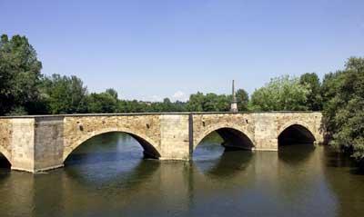 Neckarbrücke bei Köngen, weitgehend in dem von Schickhardt erbauten Bestand (1600)