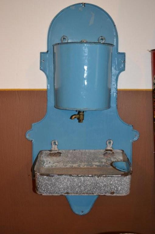 b22 lavabo.jpg