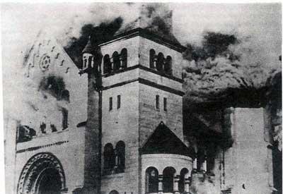 Brennende Synagoge in Karlsruhe
