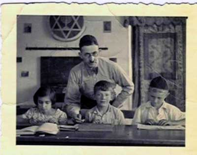 Gustav Spier als Lehrer im jüdischen Gemeindehaus